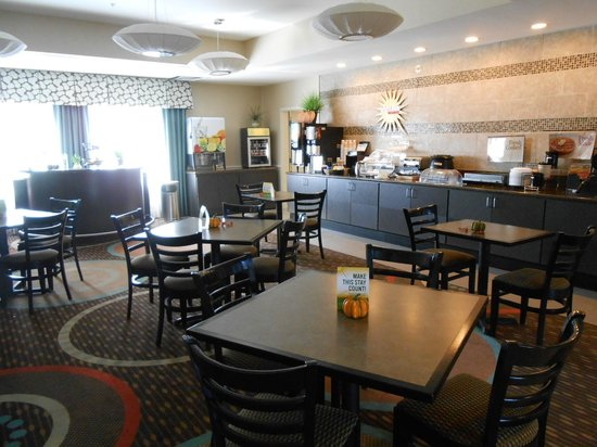 La Quinta Inn & Suites Columbus - Edinburgh: Breakfast area