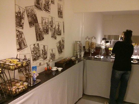 Hôtel des Inventions : Breakfast buffet