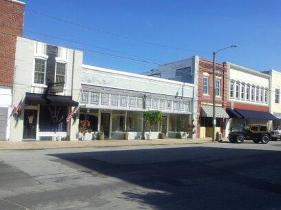 Spoon River: Pamlico Street View