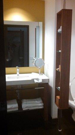 Hotel Sorella CITYCENTRE : bathroom