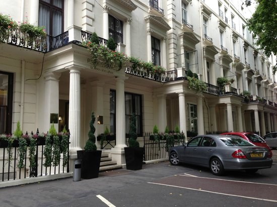 Park Grand London Hyde Park: Exterior of hotel