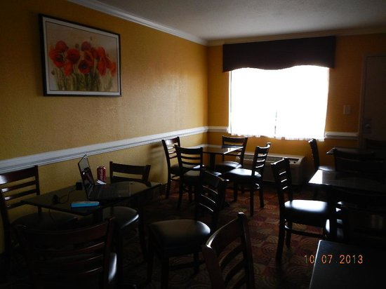 Best Western Center Inn: breakfast room 2