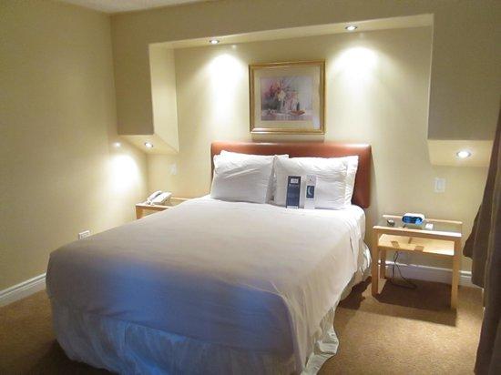 Bayside Inn & Waterfront Suites: Deluxe Queen Room