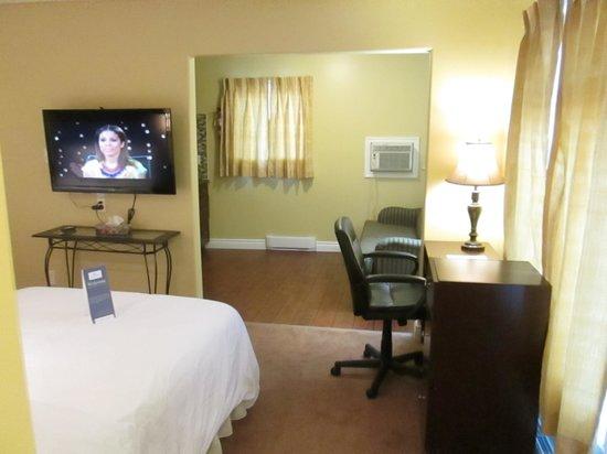 Bayside Inn & Waterfront Suites: Waterview Junior Suite