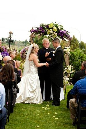 Hilton Garden Inn Idaho Falls: Exchanging Vows at the Hilton Garden Inn