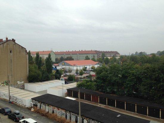 Tryp by Wyndham Dresden Neustadt: Toward Neustadt (Lidl within walking distance)