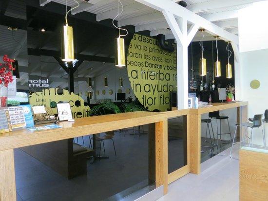 Hotel Domus: receptie en bar