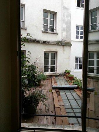Hotel Korner Montparnasse: View