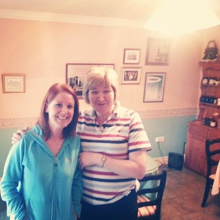 Tir Na Nog Bed & Breakfast : Joan and I in the morning