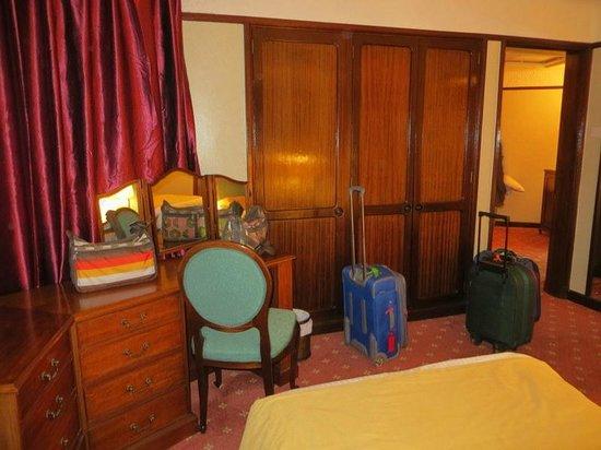 Nairobi Safari Club: room 612