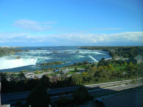 Radisson Hotel & Suites Fallsview: This was the view from our room.  Gorgeous!!