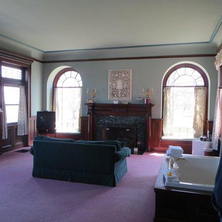 White Springs Manor: dining room