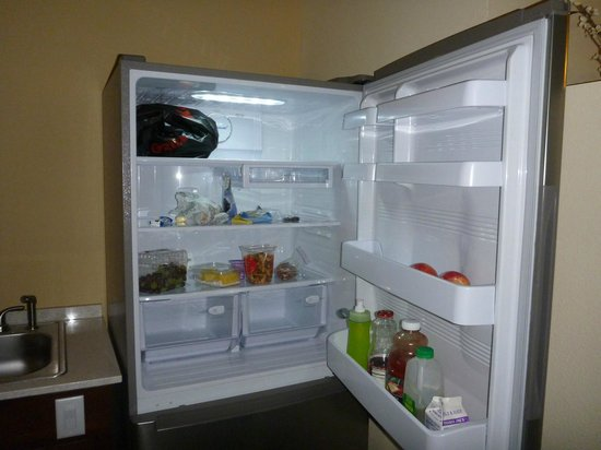 Holiday Inn Express Hotel and Suites Scottsdale - Old Town: Huge full-size wonderful refrigerator
