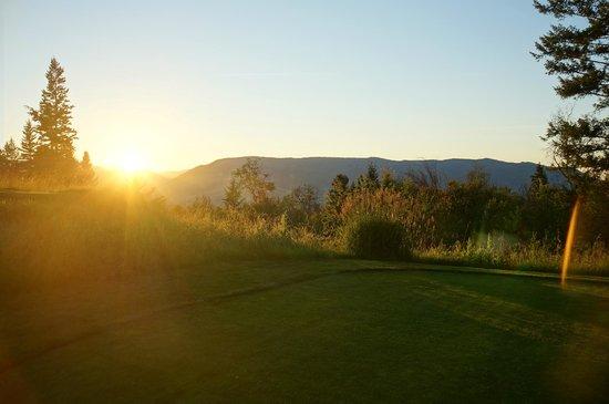 The Rise Golf Course: Okanagan sunset