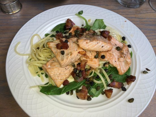 The Red Barn Cafe: Smoked Salmon over Pasta