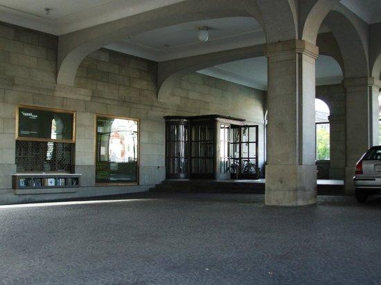 Helmhaus: Building entrance