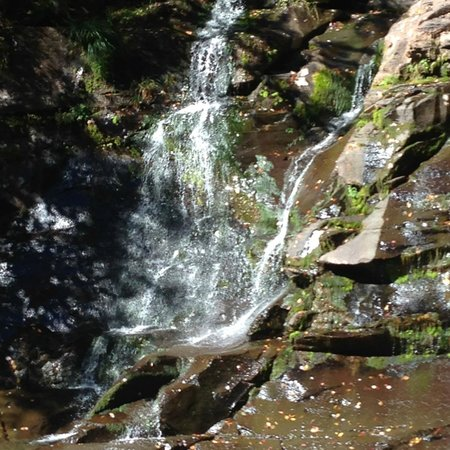 Hunter Mountain Hotel & Spa: Vigorous hike to waterfalls