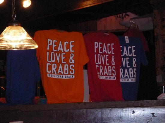Joe's Crab Shack: T-shirts and lots of souvenirs