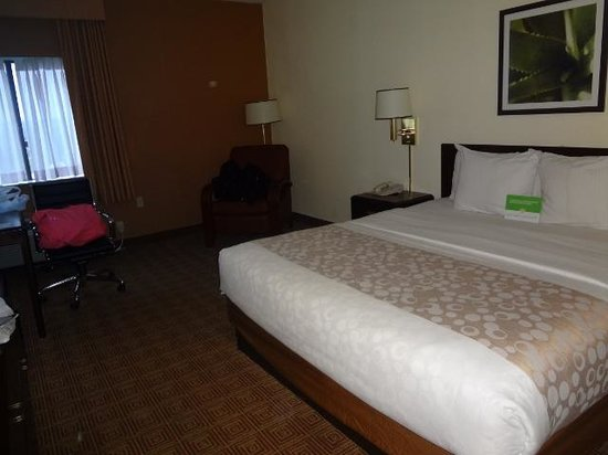 La Quinta Inn & Suites Warwick Providence Airport: Our crash and cuddle spot