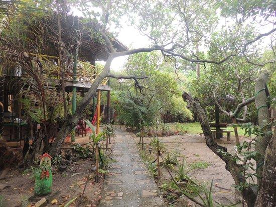 Eco Hostel Lujimba: entrada do hostel