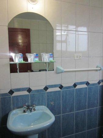 Suites Antonio´s: Our bathroom