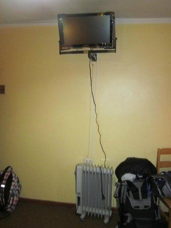 Suites Antonio´s: Our room/tv