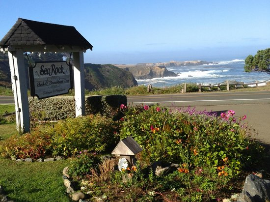 Sea Rock Inn: Check in for a real treat here.