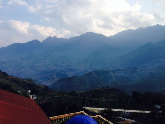 Casablanca Hotel: Great views towards Lai Chau from room 421