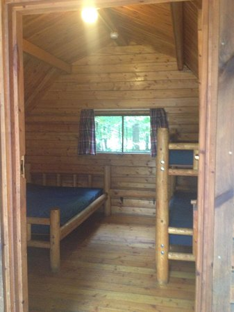 Lake Placid / Whiteface Mountain KOA : Inside our cabin