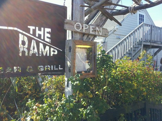 The Ramp Bar and Grill: The Entrance