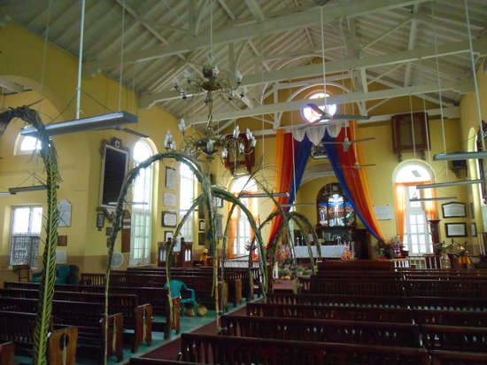 St John's Cathedral : Inside the Church