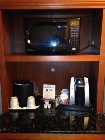 Hilton Garden Inn Niagara-on-the-Lake : The microwave/coffee station