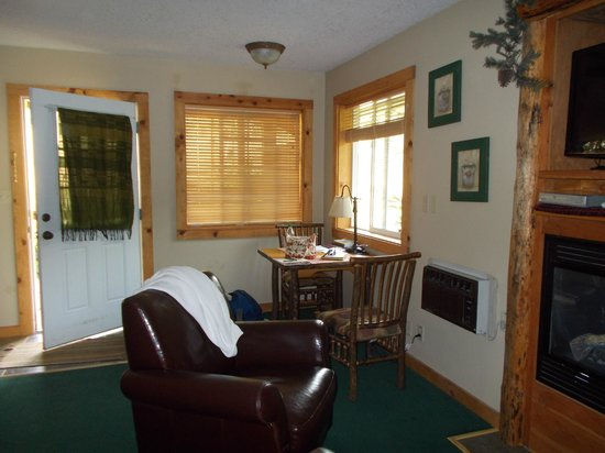 Carson Ridge Luxury Cabins: Cabin has Lots of Room!