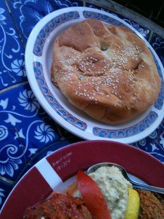 Beyoglu : bread