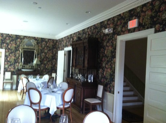 Inn at 202 Dover : Dining Room