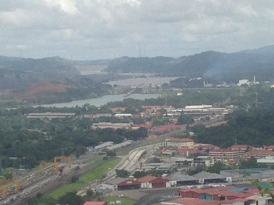 how to get to ancon hill panama