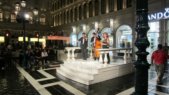 Canaletto : Opera in St. Mark's Square
