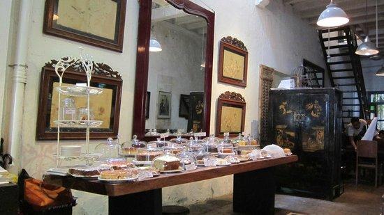 China House: Cake Station
