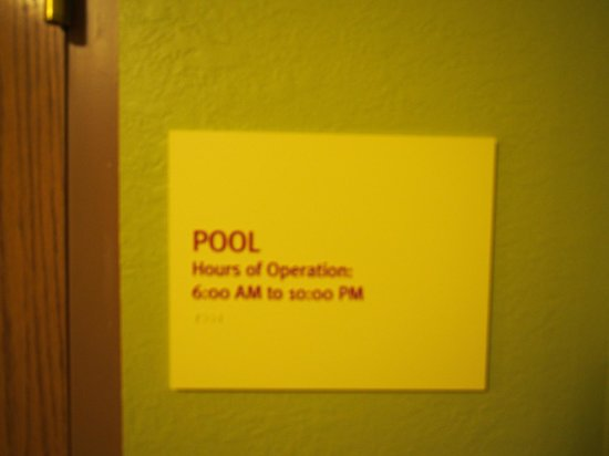 TownePlace Suites Manchester-Boston Regional Airport : Pool Note