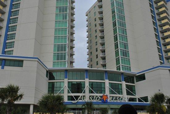 Avista Resort - Front View