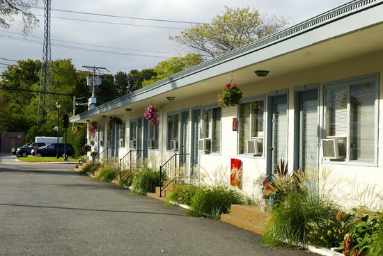 Town and Beach Motel rooms