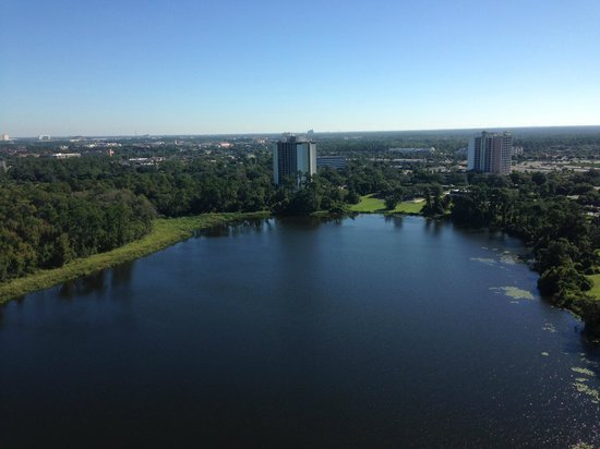 Hilton Orlando Buena Vista Palace Disney Springs : View from Room over small lake (to East)