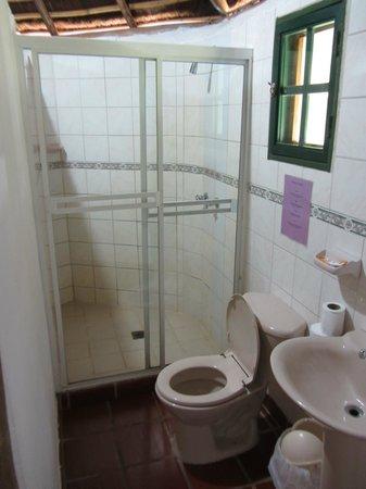 Posada La Casita: banheiro