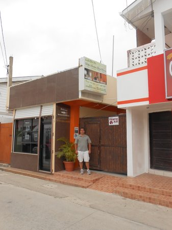 Bella Sombra Guest House: Exterior Not Flashy, but Interior is Great