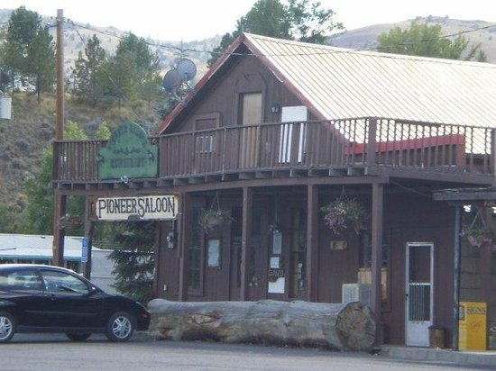 Pioneer Saloon And Restaurant: Front of the Saloon