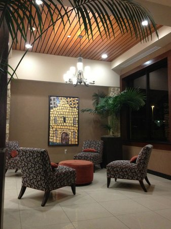 Drury Inn & Suites San Antonio Airport: Upgraded lobby
