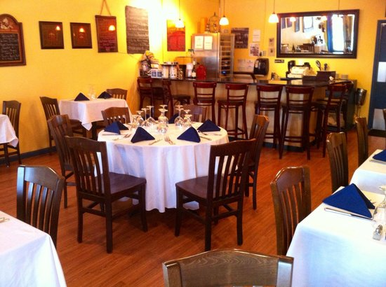 Blue Windows French Bistro : Dining room is set for your party!