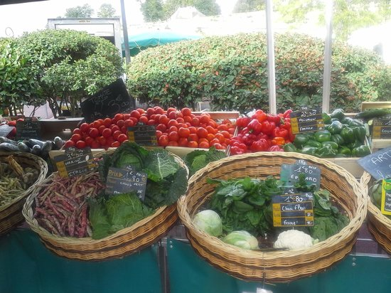 Villa St. Simon : The Farmer's market Blaye