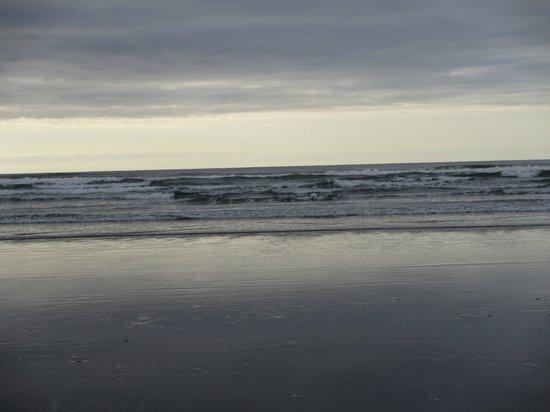 Walsh Motel: Beach