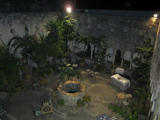 Hotel Luna Convento: The courtyard